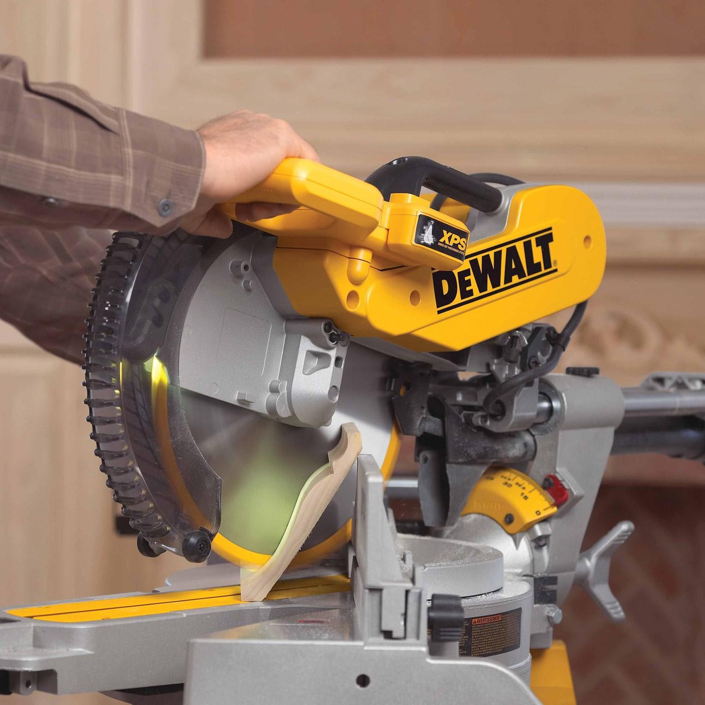 Dewalt Dws780 12 Quot Double Bevel Sliding Compound Miter Saw